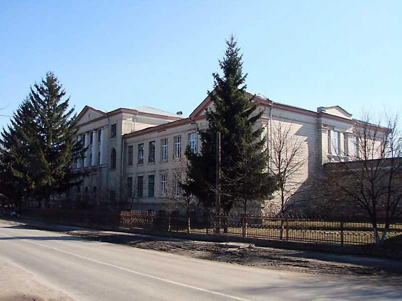 Гімназія ім. Петра Сувчинського