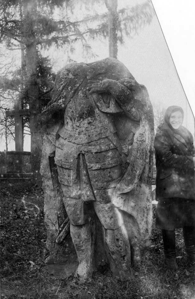 [1920-і рр.?] Скульптура святого 2