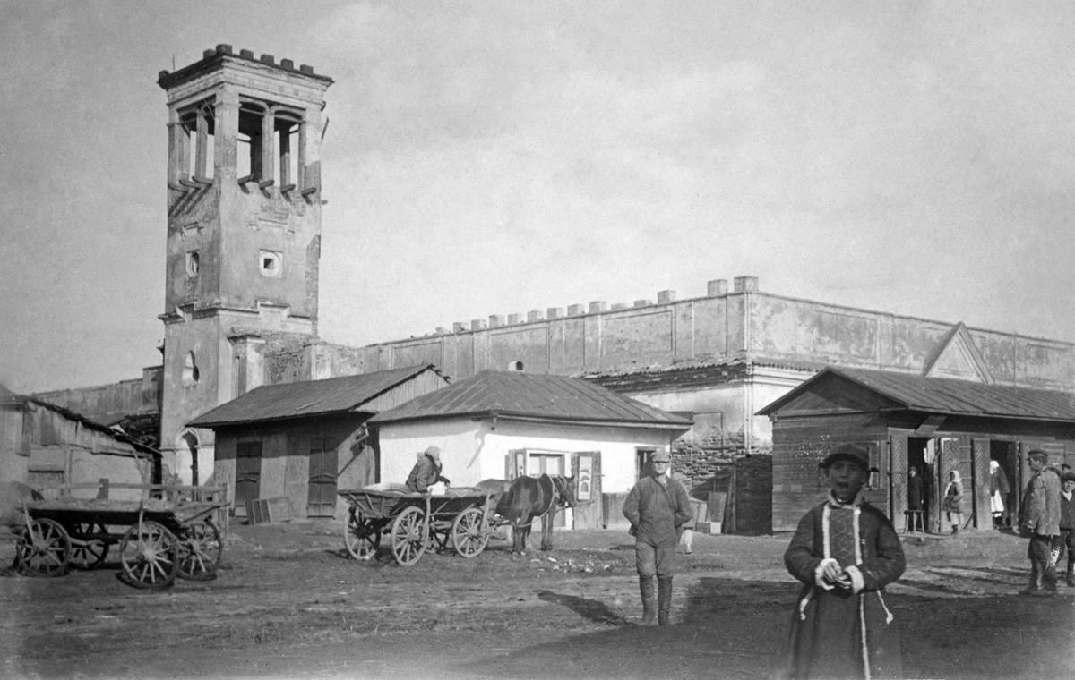 1920-і рр. (?) Ринкова площа і ратуша…