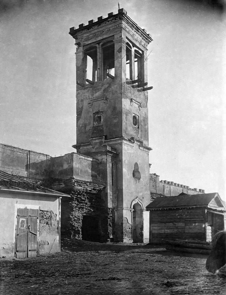 1920-і рр. (?) Башта ратуші. Вигляд з…