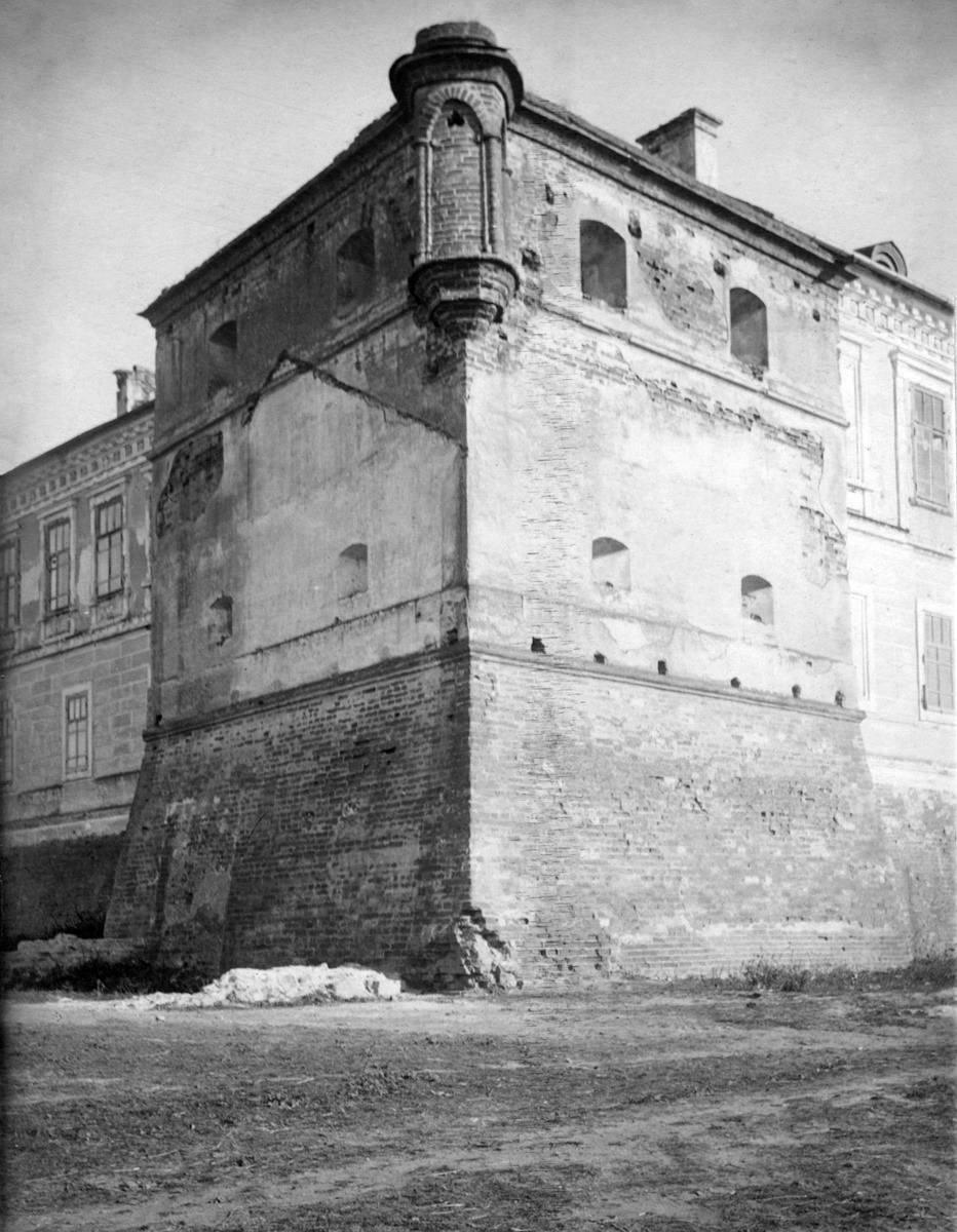 1920-і рр. (?) Південно-західна башта