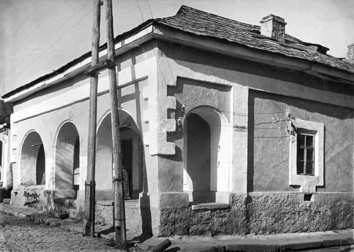 Будинок із галереєю