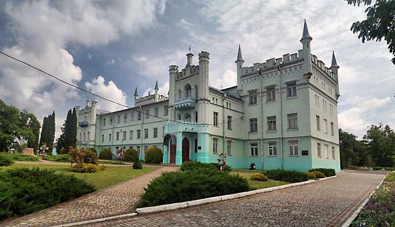 Палац Чосновських / Вороніних