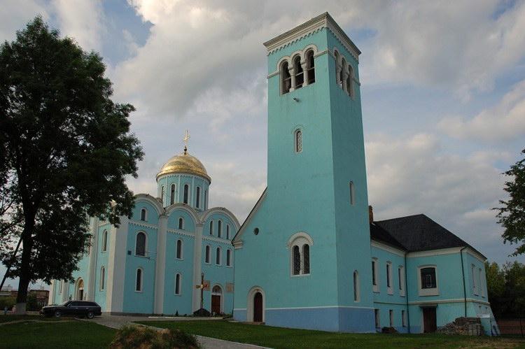 2009 р. Резиденція і собор. Вигляд з…