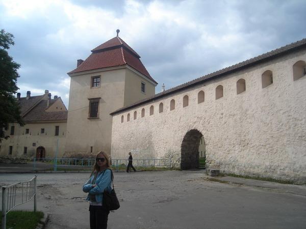Мур між замком та Звіринецькою брамою