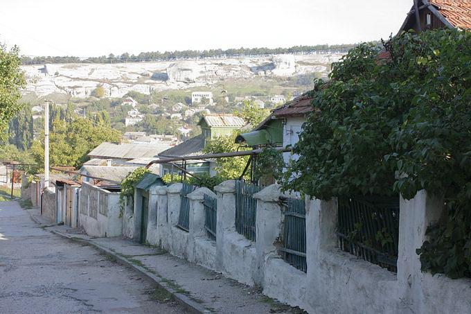 Вуличка у старому місті