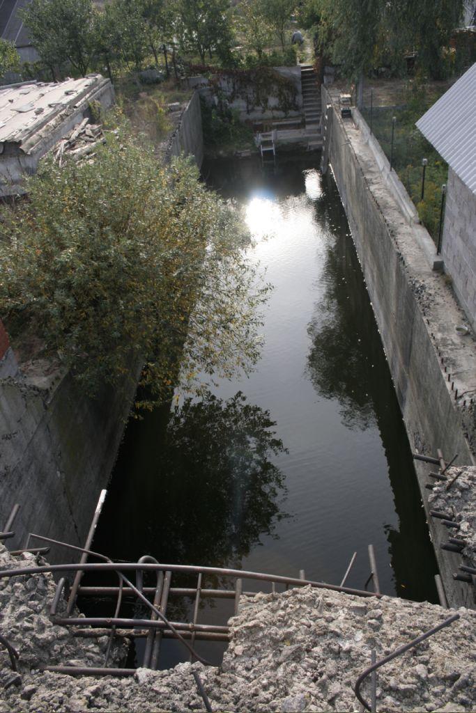 Затоплений кінець тунелю