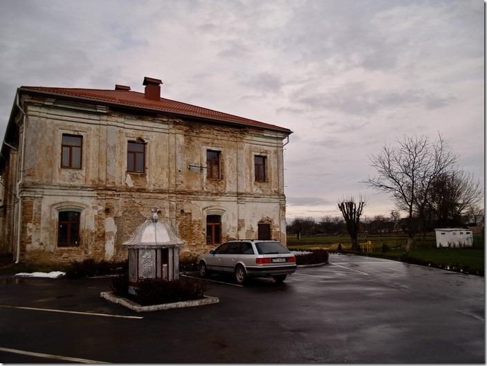2010 р. Бічний фасад