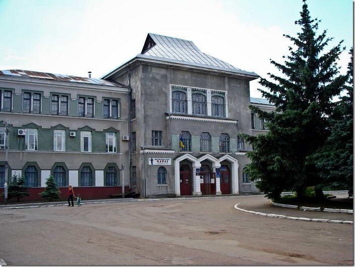 2010 р. Адміністративна будівля в…