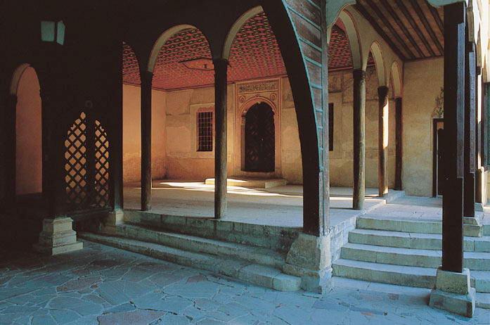 Вхід до зали Дивану
