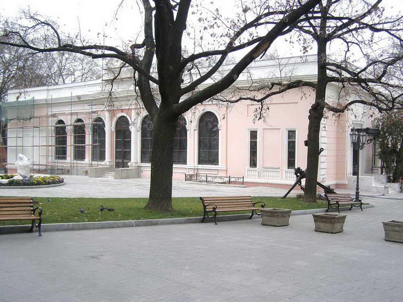 Головний фасад (грудень 2008 р.)
