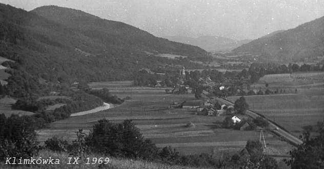 1969 р. Панорама села з церквою (нині…