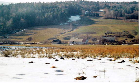 [2003..2006 р.] Вид на долину, де знаходилась скляна гута