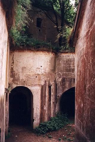 [2006 р.] Двір форту