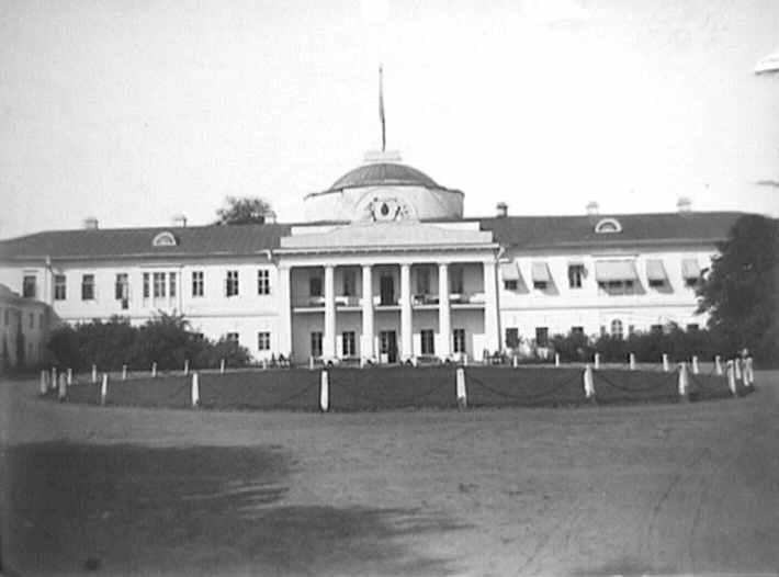 1880 р. Палац Тарновських (фасад)