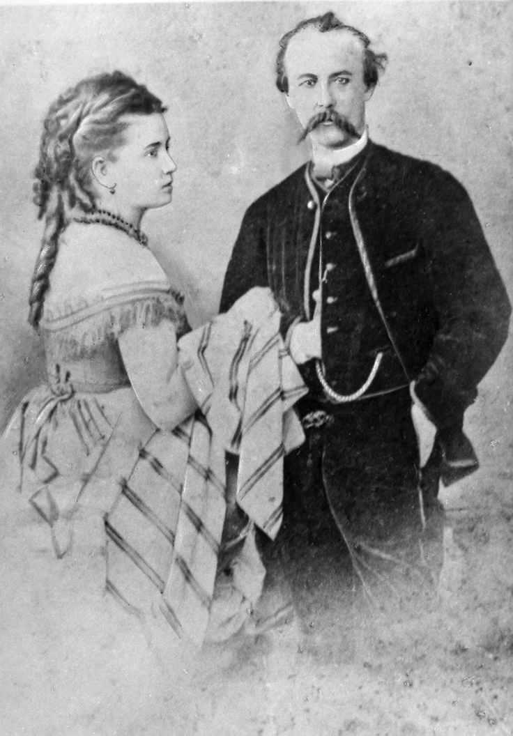 Тарновський В.В. (молодший) з дружиною…