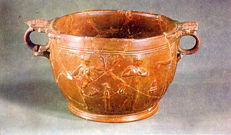 Червонолакова ваза