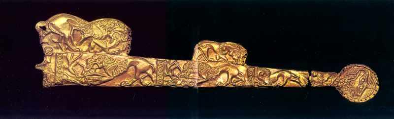 Піхви з рельєфами левів, які терзають…