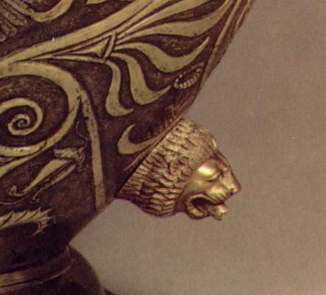 Фасетка у формі голови лева