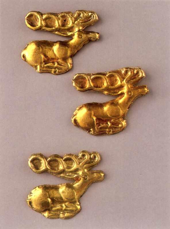 Бляшки у формі оленів