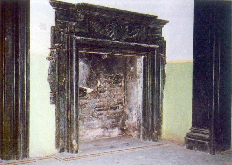 1998 р. Мармуровий камін XVII ст. в…