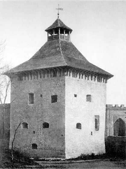 Північно-західна башта. Вигляд з зовнішнього боку