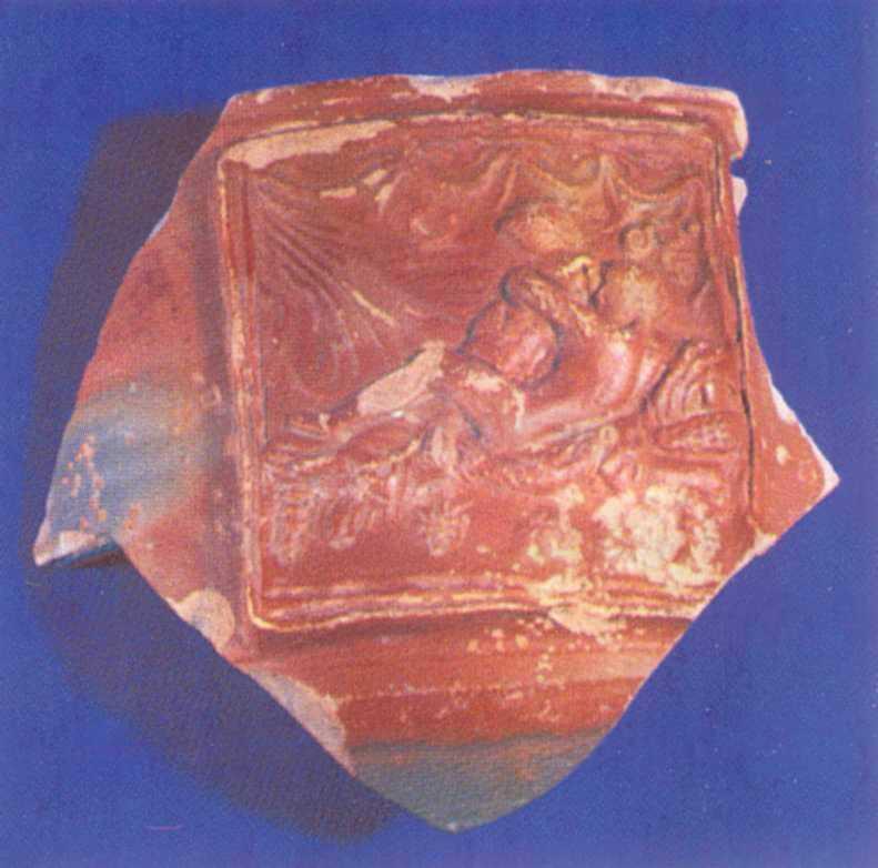 Фрагмент посудини з еротичною сценою