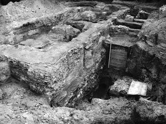 [2003 р.] Розкопки фундаменту церкви…