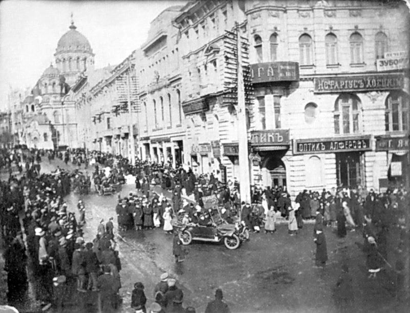 1917 р., лютий - березень. Церква…