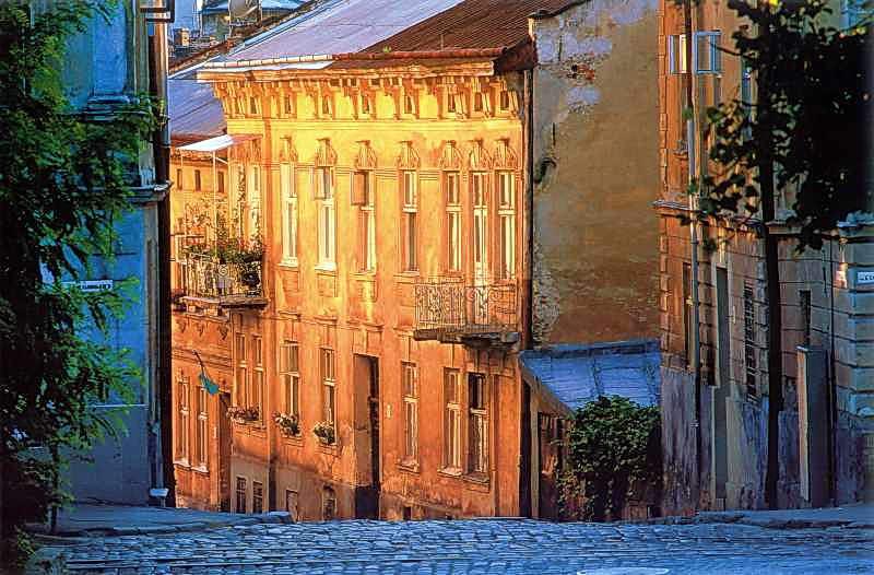 [2005 р.] Загальний вигляд (внизу зліва – перехрестя з вул.Б.Хмельницького)