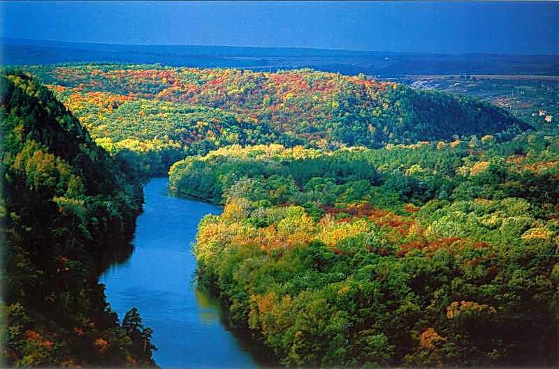 """[2005 р.] Вид на Сіверський Донець у Національному природному парку """"Святі гори"""""""
