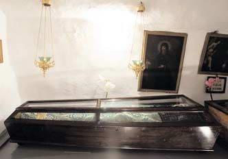 Поховання Марка Печерника, гробокопача
