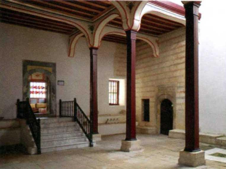Фонтанний дворик