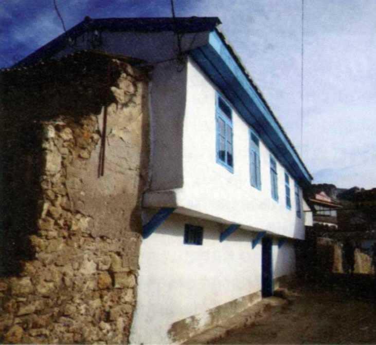 Старий житловий будинок (4)