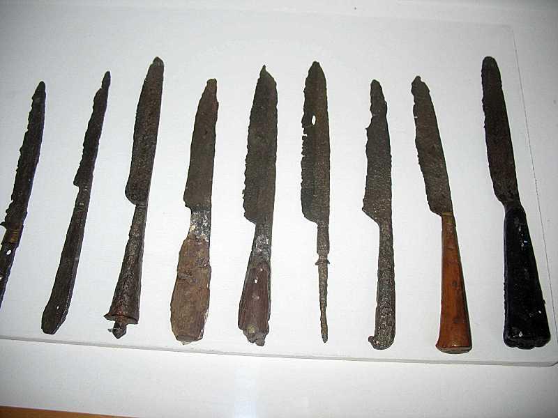 Ножі (2)
