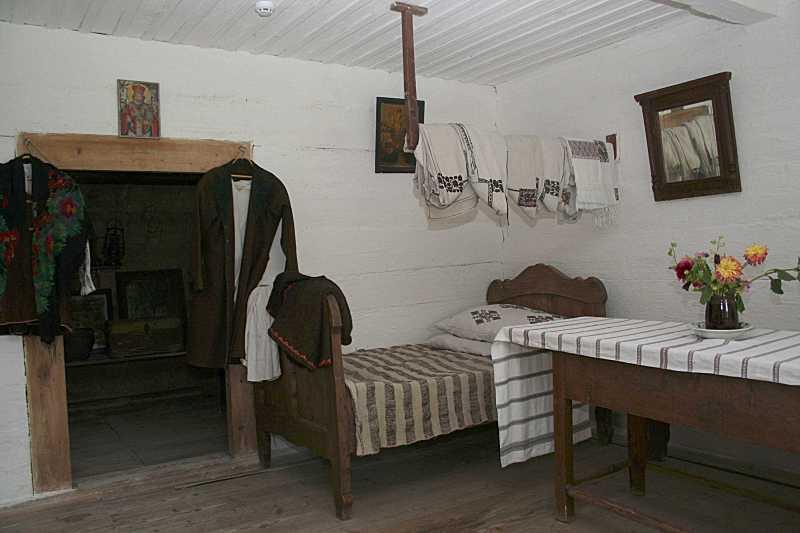 2006 р. Двері та задня стіна