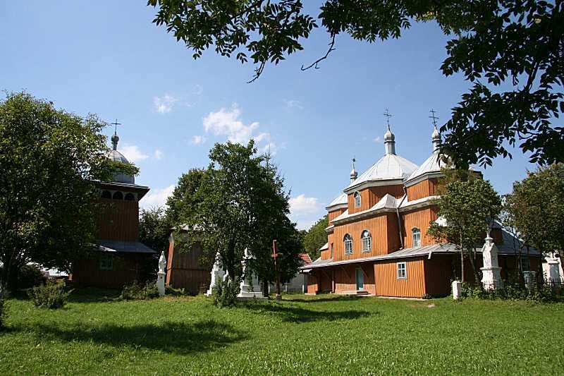 2008 р. Дзвіниця і церква. Вигляд з…
