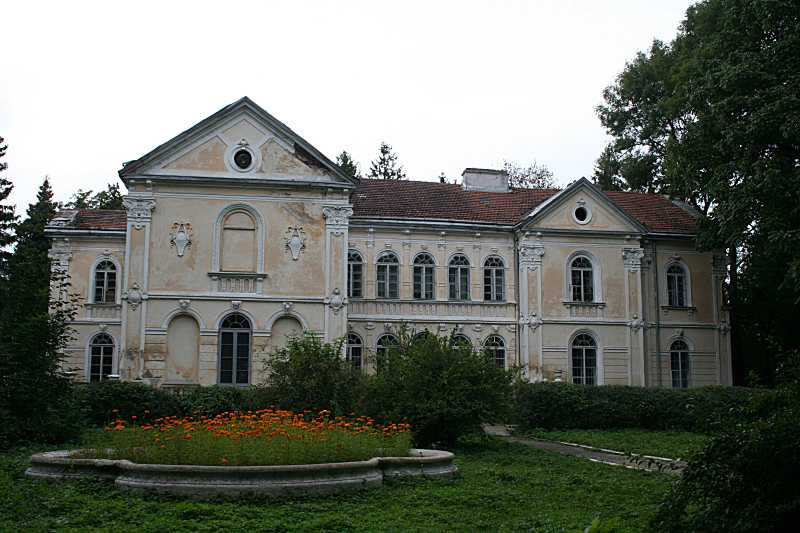 2009 р. Головний фасад. Вигляд зі сходу