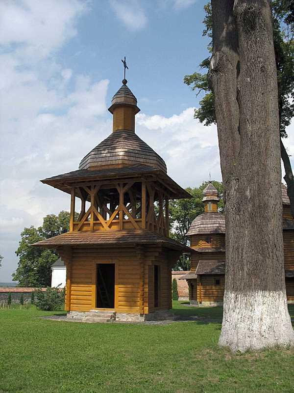 Дзвіниця церкви Покрови
