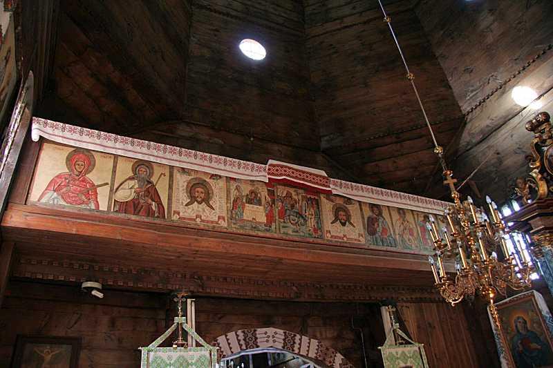 2008 р. Ряд ікон на парапеті хорів