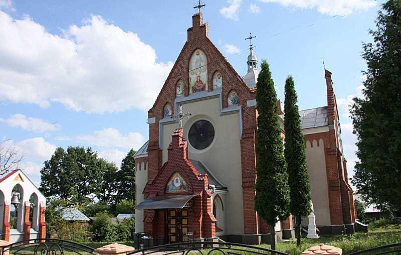 2011 р. Дзвіниця і церква. Вигляд з…