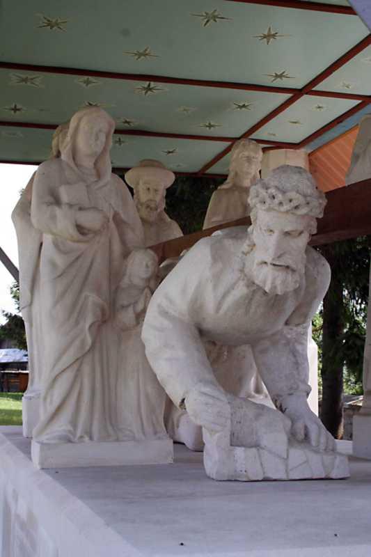 Група скульптур анфас