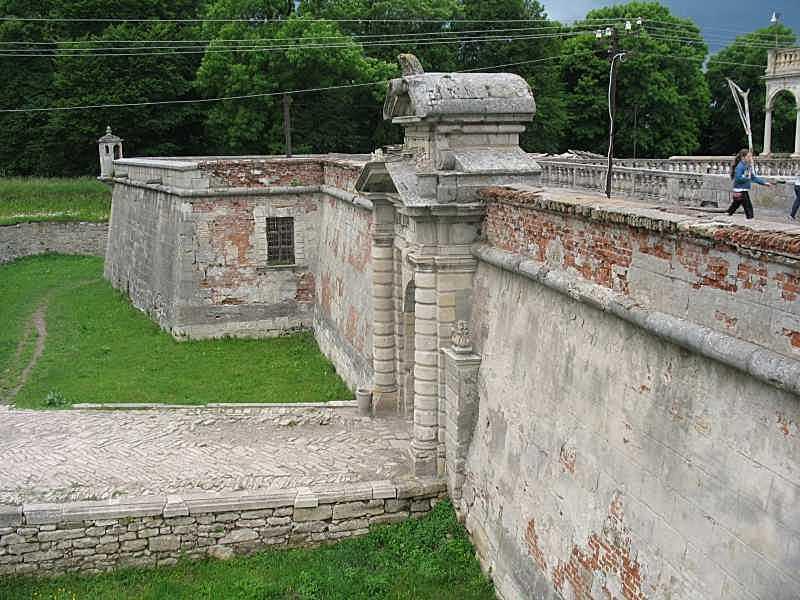 2014 р. Південний мур. Вигляд зі сходу
