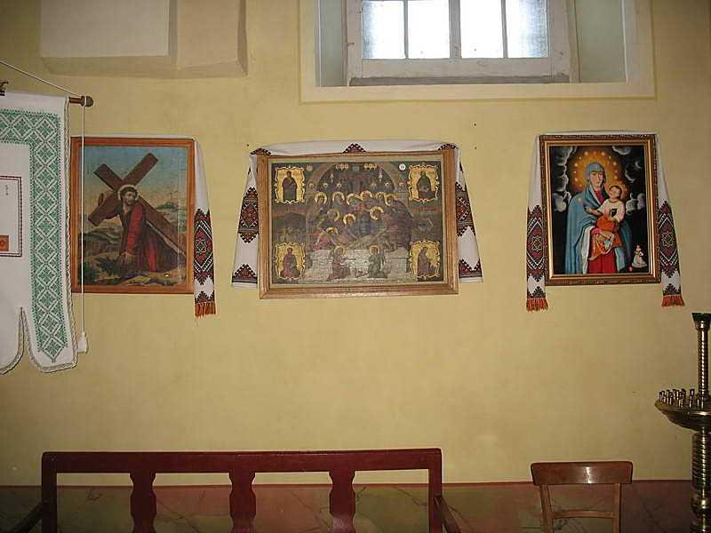 2007 р. Ікони на стіні північної нави