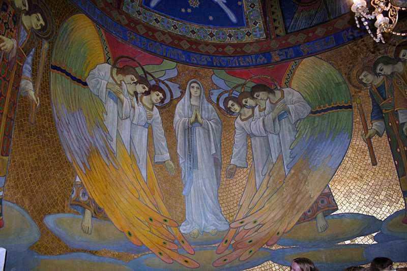 2010 р. Марія і ангели. Центральна…