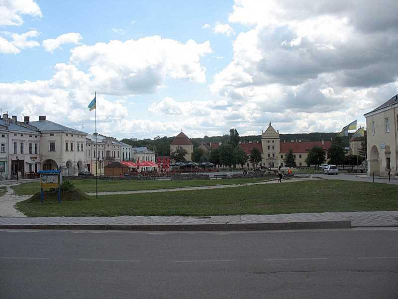 2011 р. Панорама Вічевої площі з…