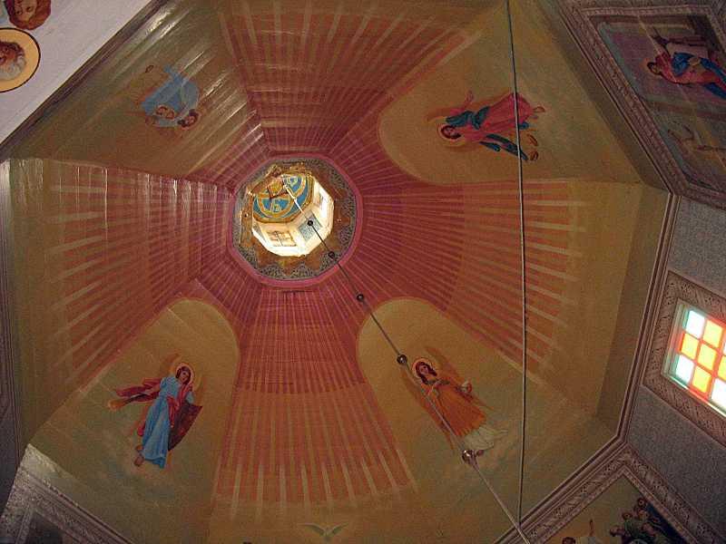 2008 р. Інтер'єр купола з постатями…