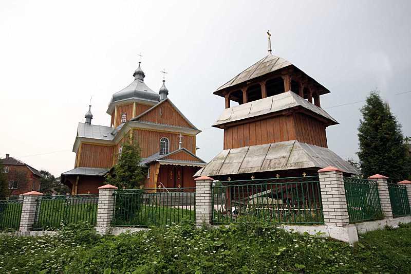 2010 р. Церква та дзвіниця. Вигляд із…