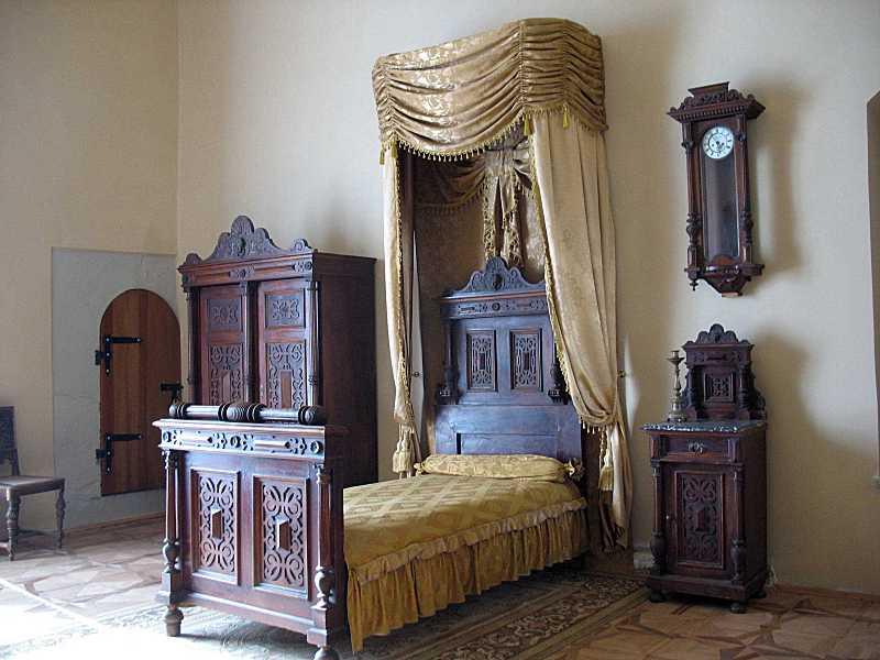2012 р. Куток з ліжком