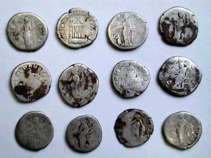Срібні римські монети середини 2 ст. н.е. (реверс)